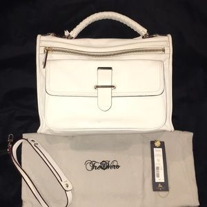 White TreVero Hand/Shoulder Bag